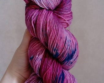 "Wool-Polyamide ""Harvest of plums"" hand dyed wool"