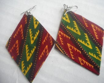 Kite shaped earrings fashioned with African print. A comfortable fit for women of all ages.