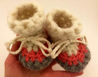 Newborn slippers, Crochet slippers, Sheepskin slippers, Toddler slippers, Cuff slippers, wool slippers, baby girl slippers, baby booties