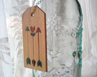 Woodburned gift tag,3 Arrows, pyrography keepsake for a wedding or shower gift, multi colred arrows, great ornament or gift tag, shower gift