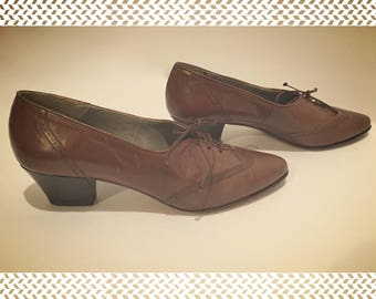 "Vintage Lord & Taylor Cocoa Brown Leather Oxfords With 2"" Heels"