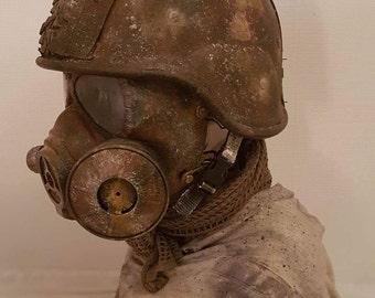 Post apocalyptic helmet/gas mask