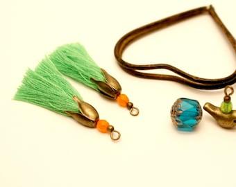2 PomPoms, green, Orange, shell flower Pearl Bronze