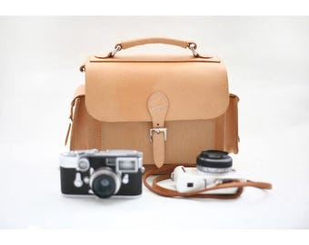 Handmade veg-tanned leather camera bag, message bag