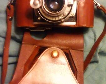 Vintage Kodak 35 camera with leather case