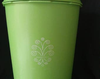 VINTAGE TUPPERWARE CANISTER 1970's Lime Green