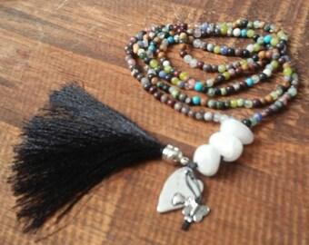 Necklace of semiprecious stones