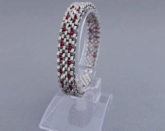 Nuts and red glass beads - stainless steel with magnetic clasp bracelet