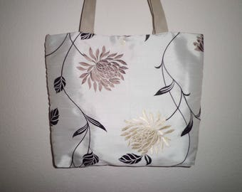Noble shoppers ~ Silk ~ Embroidered
