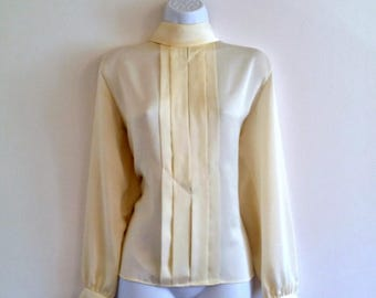 Vintage Tuxedo Pintuck Secretary Top 70s Cowl - Size L/OS, Silky Cream Blouse, Mock Turtleneck Shirt, Flowy, Pleats Pleated, Long Sleeves