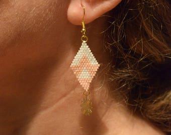 Weaving beaded earrings, earrings with peyote, Northern style