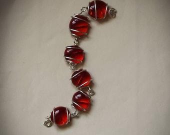 Red Glass Stones Bracelet