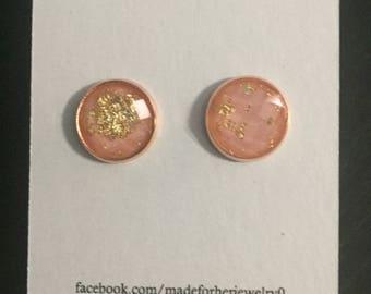 12mm pink gold shimmer in rose gold setting