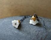 White Flower Earrings - Flower Earrings - Vintage White Glass Flower Earrings - floral jewelry - Garden Inspired - Botanical Jewelry