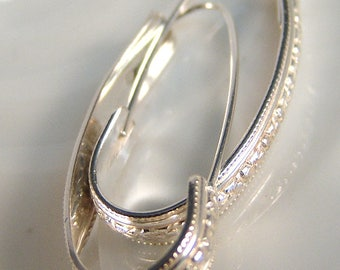 Swan Pattern Hoop Earrings SS
