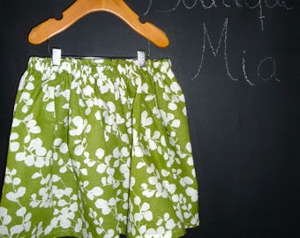 Sample SALE - Will fit Size 4T to 7yr - Ready to MAIL - SKIRT - Green and White Linen - by Boutique Mia