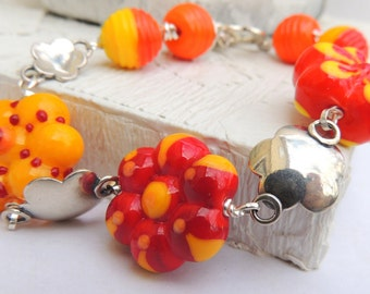DAISY CHAIN Handmade Lampwork Bead Bracelet