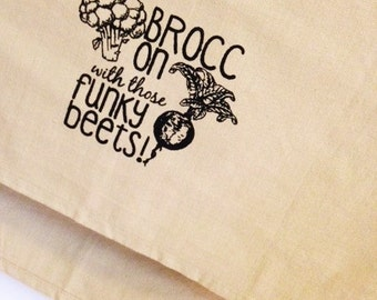 Broc on with those funky beets vegan kitchen dish towel. Silk screened cotton tea towel.