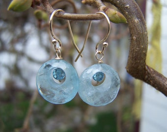 Faceted Aquamarine Donut briolette, Faceted London blue Topaz, 14K solid gold, earrings