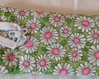 Quilted Eyeglass Case - Daisies