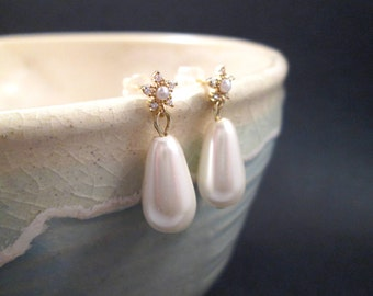 Pearl Drop Earrings, Flower Posts and Off White Glass Pearls, Gold Dangle Earrings, FREE hipping U.S.