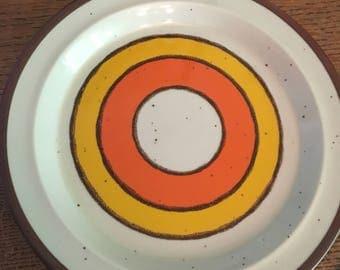 Mid Century Modern Hearthside Bullseye Plates Orange Gold Stoneware 5 Piece epsteam