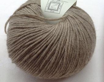 Beige wool yarn - destash - wool yarn - Free shipping