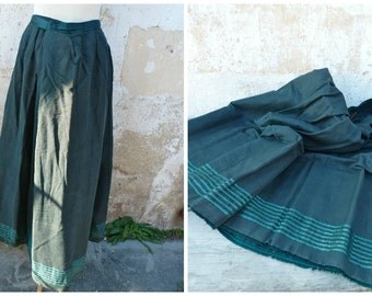 "Antique 1890s French Victorian  dark green light wool skirt bustle / ""faux cul"" shape"