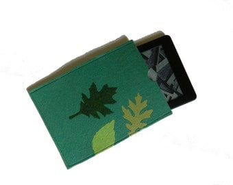Unique Kindle Paperwhite Cover, kindle case,  eReader Case Padded Cover - Green leaves.
