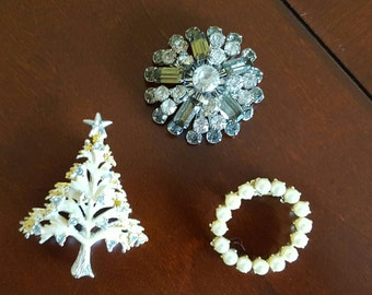 Scatter pin collection brooches, Christmas tree pearl wreath rhinestones