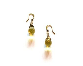 Yellow Topaz Color Steampunk Earrings / Gold Rustic Earrings  / Yellow Chandelier Earrings / Yellow and Antique Brass Wire Wrap Earrings
