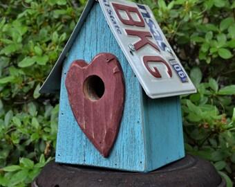 Rustic Birdhouse - Heart Birdhouse- Primitive Birdhouse