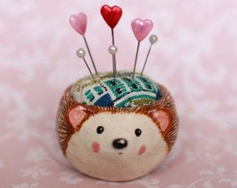 Small Hedgehog Pincushion Pot
