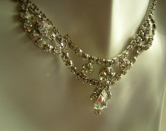 Vintage 1950s Rhinestone Necklace - D & E Juliana - Regal Bride or Prom Teardrop Focal  Solid Clasp