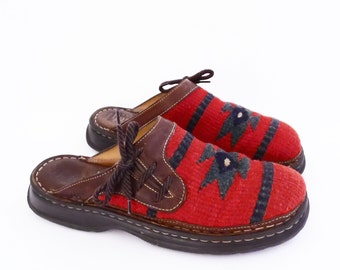 vintage BORN native blanket mules // RED woolly clogs // southwestern shoes // women's size 10