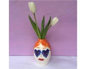 Heart sunglasses face vase