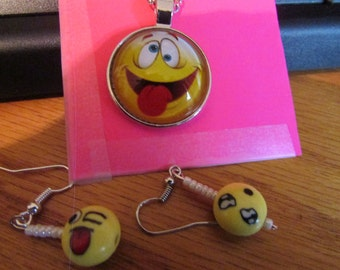 funny face pendent