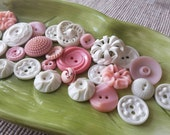 Vintage Buttons - Cottage chic mix of pink and  white lot of 28 old and sweet( feb534 17)