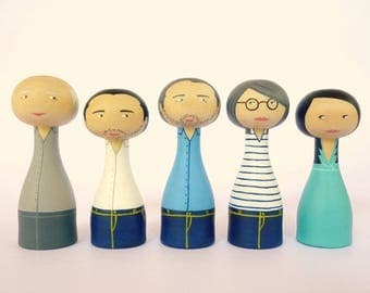Custom family portrait Five adults Personalized - FREE SHIPPING Wooden art doll hand painted parents son daughter friends