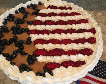 Artificial Pie ~ Fake Pie ~ Patriotic Pie ~ Fourth Of July Display Pie ~ Faux Pie ~ Home Staging Food ~ Kitchen Decor ~ American Flag