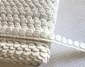 """Ivory Venise Lace - Small Circle Teardrop Pattern - 7/16"""" Wide"""
