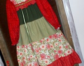 FLANNEL GOWN - -Old-Fashioned Gown in Red, Green, White ...Size 7