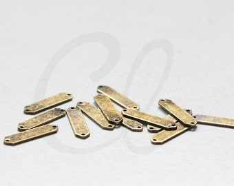 2 Pieces Antique Brass Triangle Link - Geometry - Arrow 21x5mm (3075C-C-489)