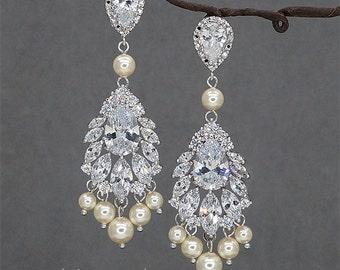 Chandelier wedding earrings, Rhinestone bridal earrings Crystal Earrings Ivory Pearls Bridal Jewelry Swarovski Crystals Earrings