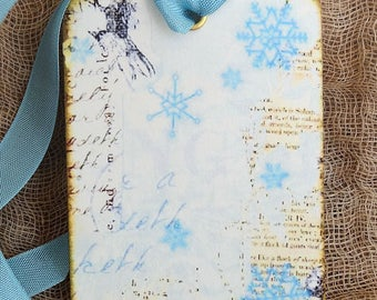 Soft Blue Frosty Winter Snowflakes Gift or Scrapbook Tags or Magnet #315