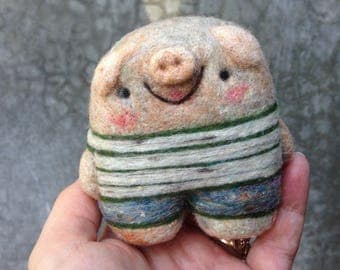 Needlefelted Happy Pig in Shorts  Ready to Ship