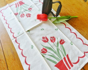 Red Tulip Towel, 1950s Kitchen Towel , Retro Towel, Tulip Towel, FREE USA shipping with 2 towels
