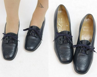 60s Lace Up Shoes Size 8 / 1960s Shoes Oxfords /  Rhoda Loafers