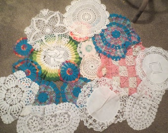 LOT Of 18 DOILIES Doily Large Small / Wedding Cake Table Centerpiece Display Old Hand Crocheted Antique LACE Dream Catchers