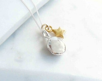 Silver Locket with Gold Star Necklace, Simple Tiny Locket, Sterling Silver Small Locket with Gold Charm